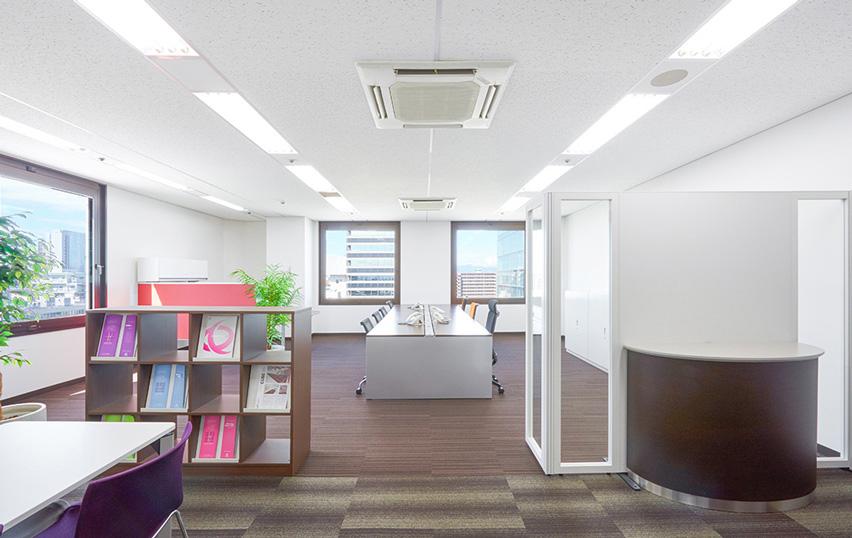 新大阪グランドビル室内
